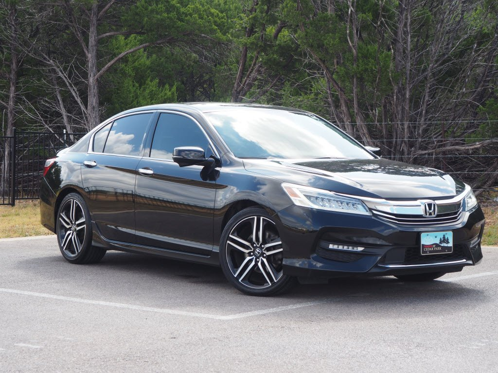 Pre-Owned 2017 Honda Accord Sedan Touring