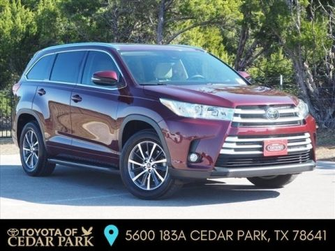 Certified Pre-Owned 2017 Toyota Highlander XLE FWD Sport Utility